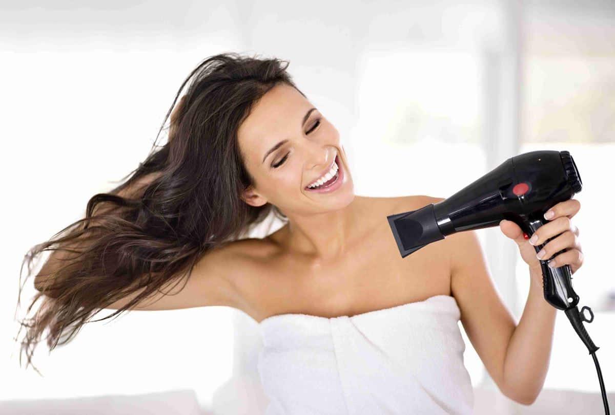 Beri Jarak dengan Rambut Hair Dryer