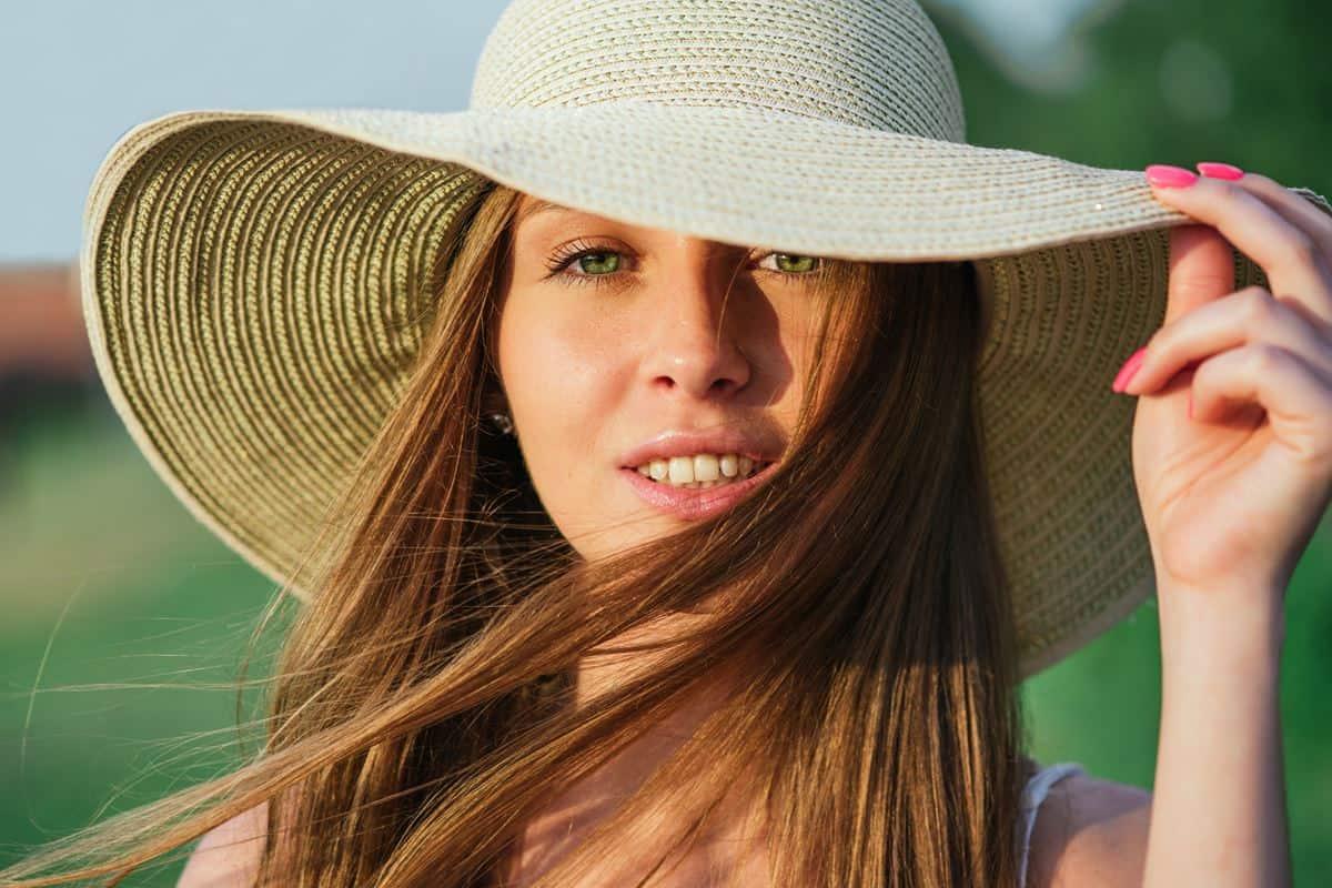 Lindungi Rambut dari Sinar Matahari