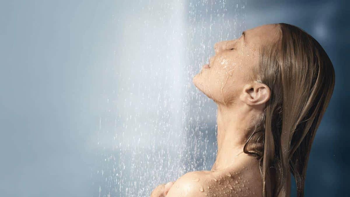 Cuci Muka dengan Air Hangat