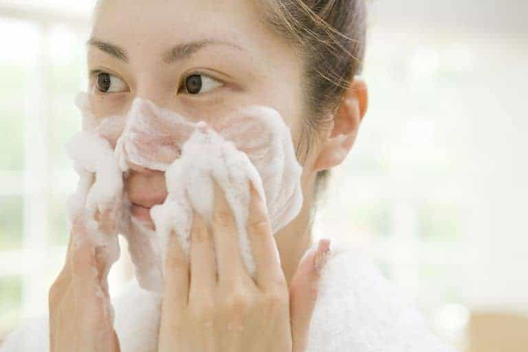 massage wajah cuci muka busa