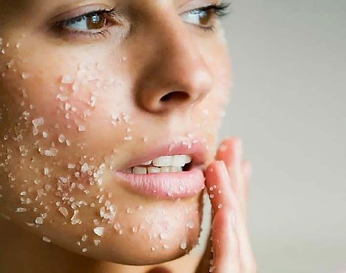 scrubbing wajah lulur
