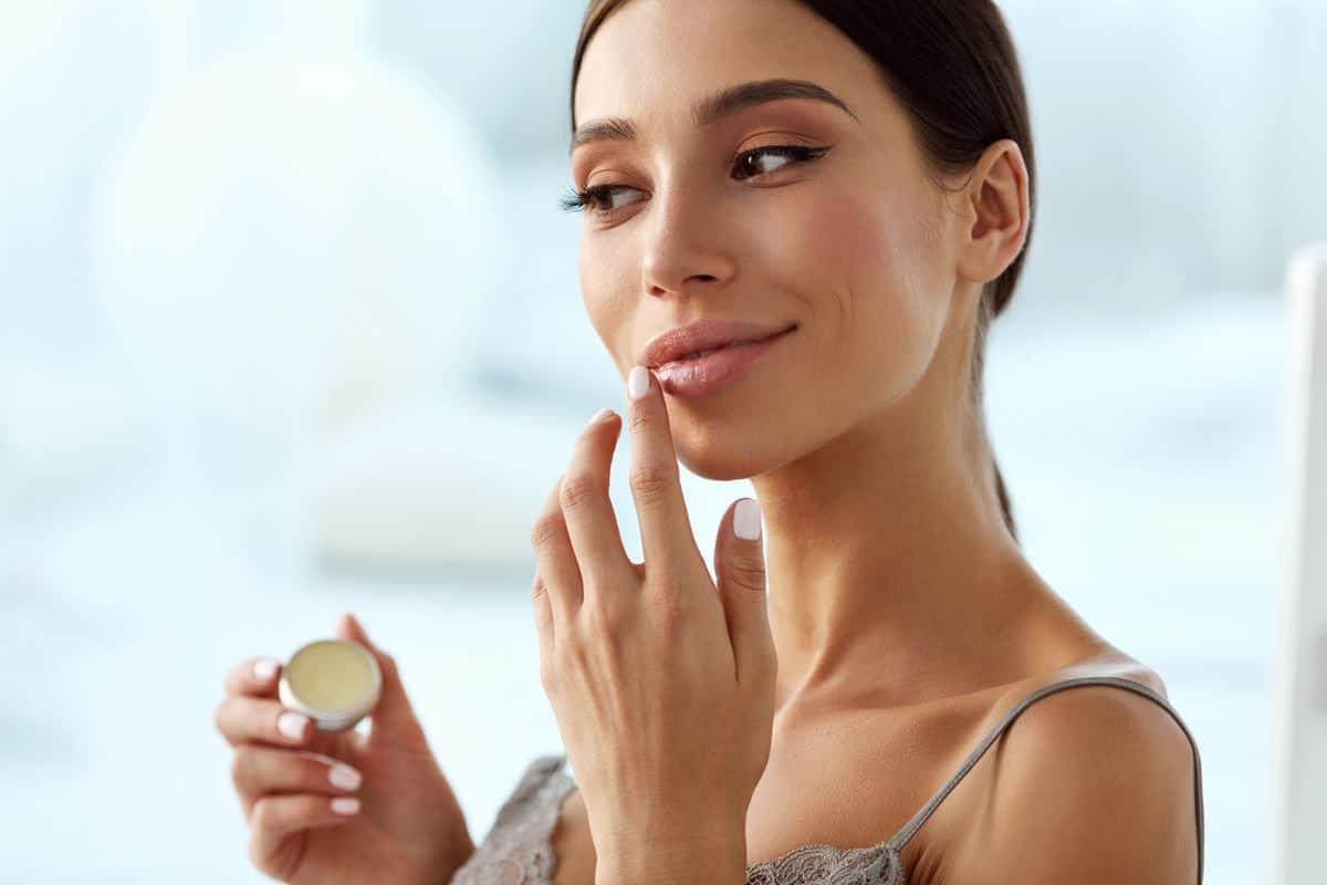Ini Dia Cara Menggunakan Lip Balm yang Baik dan Benar 3