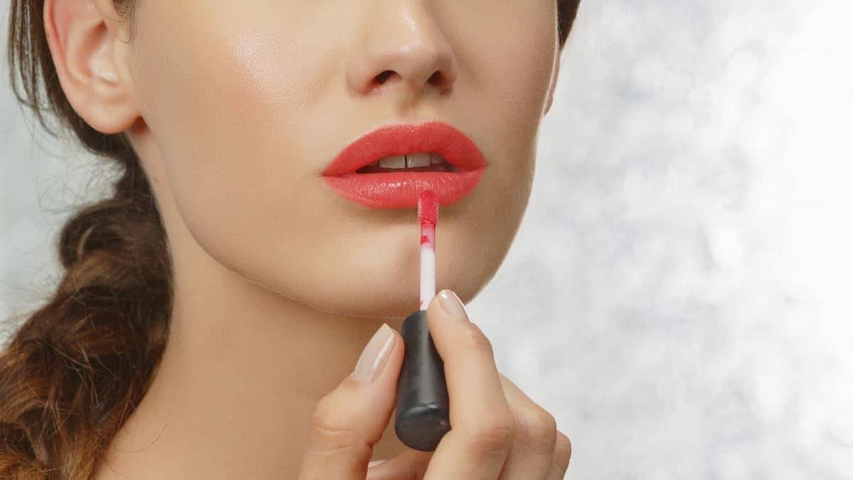 Inilah Cara Memakai Lip Cream yang Benar Tanpa Belepotan 15