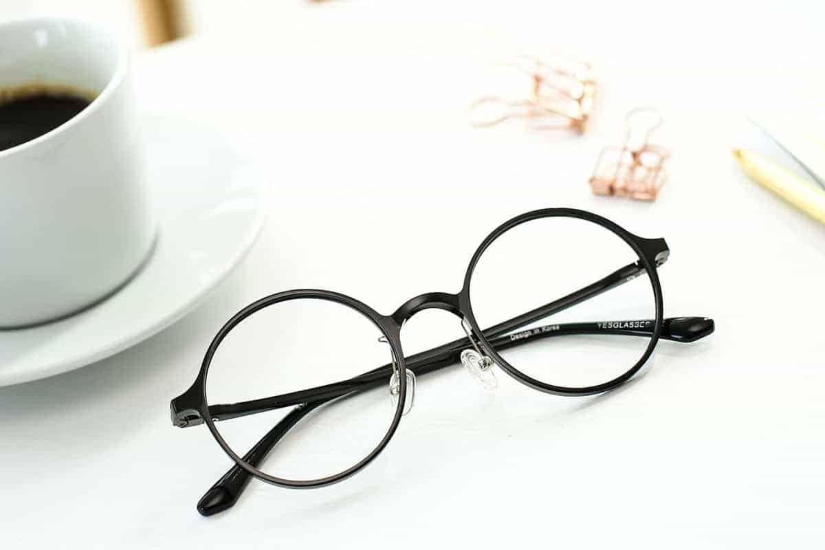 Ini Dia 10 Macam Kacamata untuk Mata Minus atau Fashion 15
