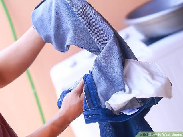 Inilah Tata Cara Mencuci Celana Jeans dengan Benar 85