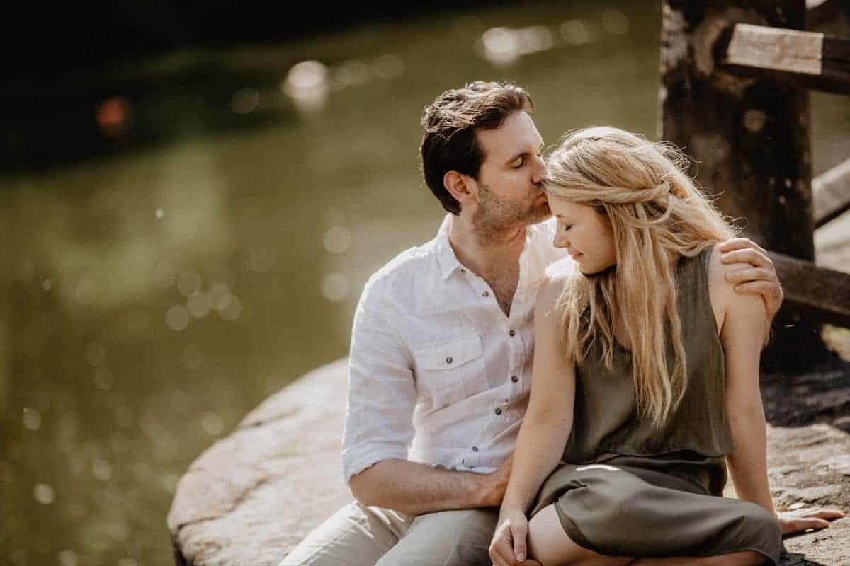 Sayang Tak Butuh Pengakuan, Berbeda dengan Cinta