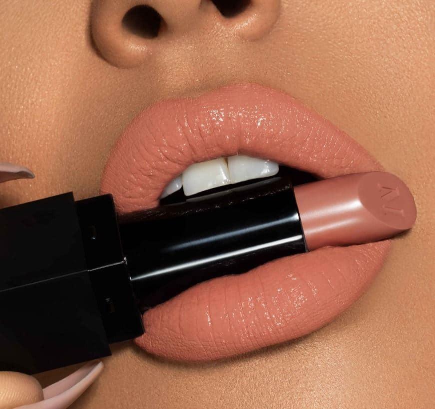 Warna Bibir Natural