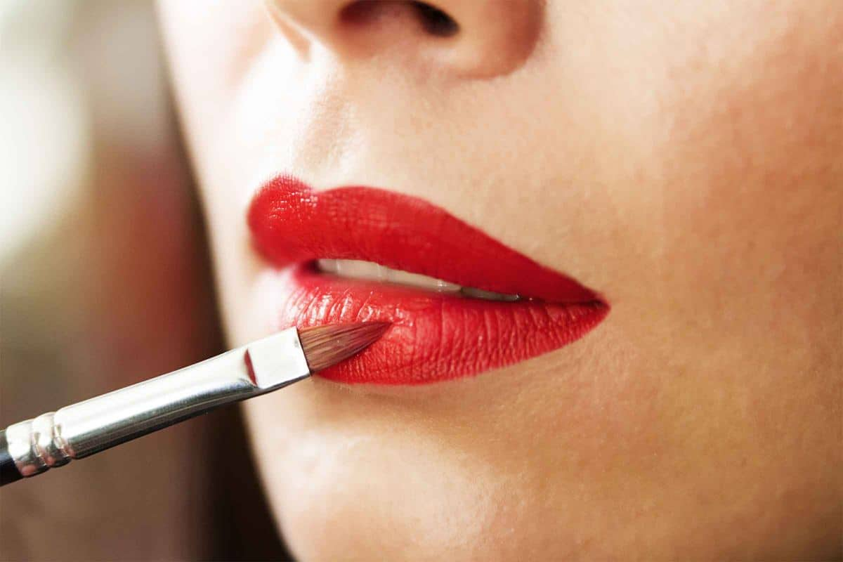 Primer Sebelum Memakai Lipstik