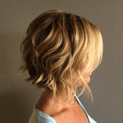 2-short-wavy-blonde-bob-hairstyle (Copy)