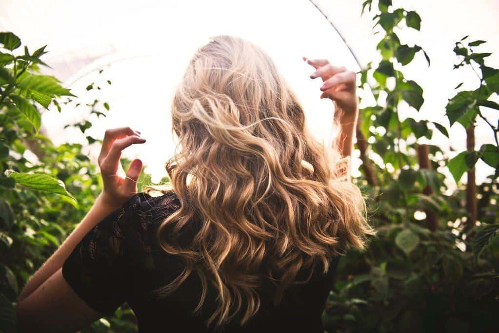 Faktor Lingkungan Penyebab Rambut Rontok