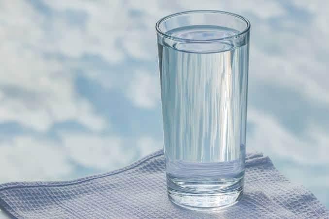 Minum Ramuan Tradisional dan Air Putih