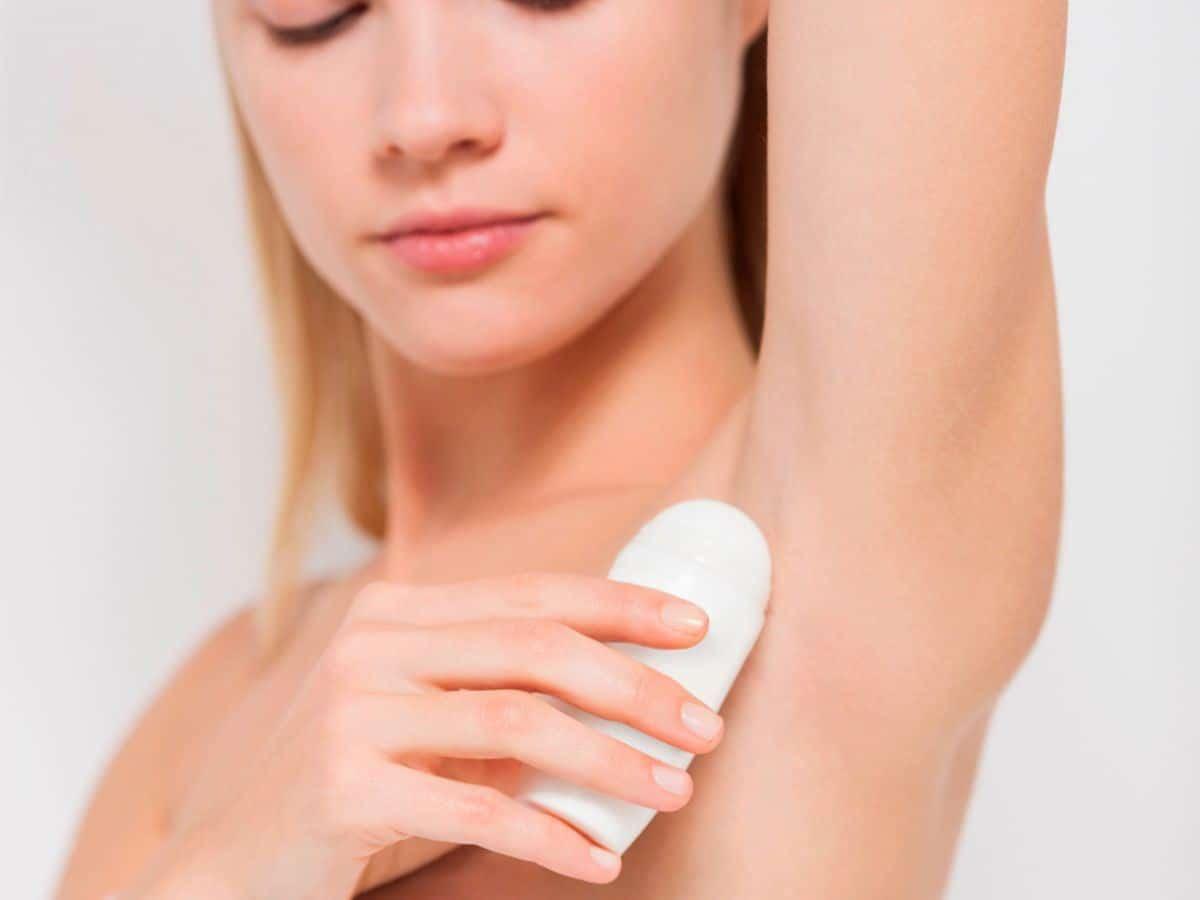 Penggunaan Deodoran atau Antiperspiran