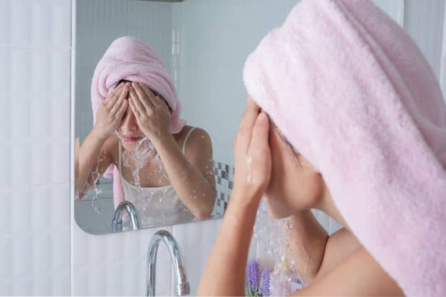 Terlalu Sering Mencuci Wajah
