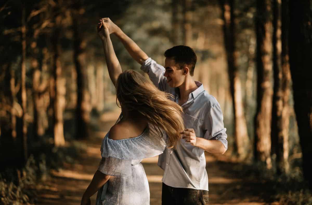 Bersikap Romantis