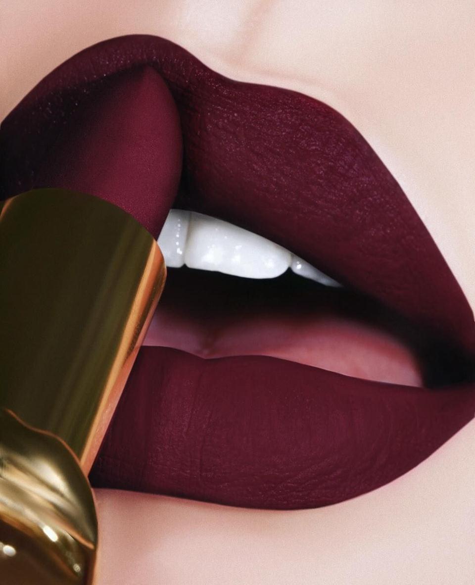 lipstik maroon (Copy)