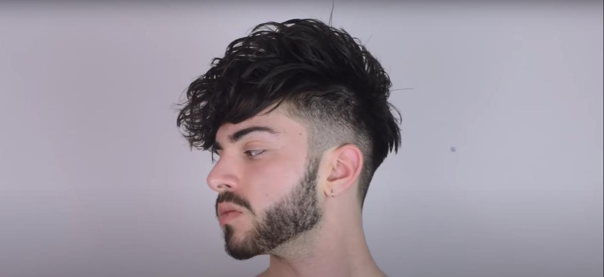 10 Inspirasi Rambut Berponi Pria Layaknya Selebriti