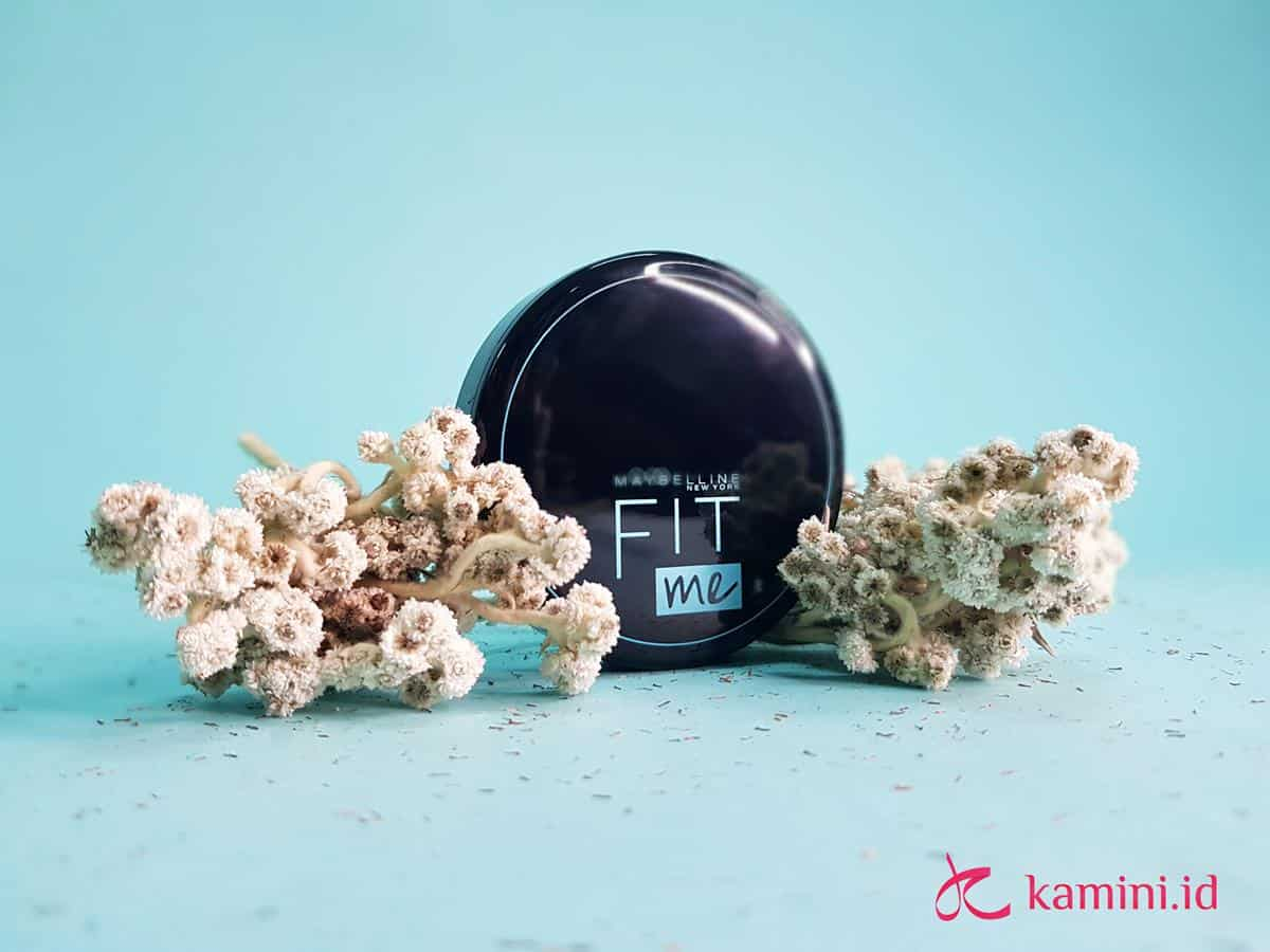 Review Maybelline Fit Me! Matte + Poreless Powder di Kulit Kering 3