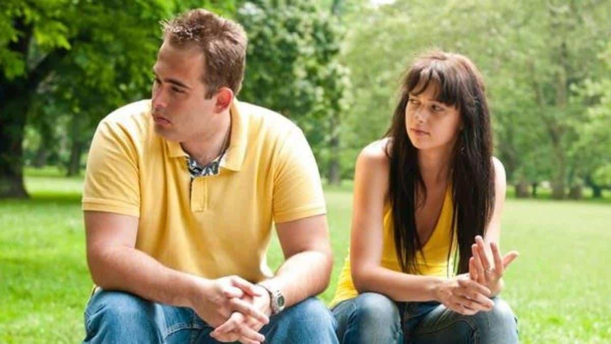 Menghindari Pasangan