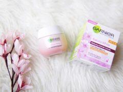 Garnier Sakura White Pinkish Radiance Whitening Day Cream