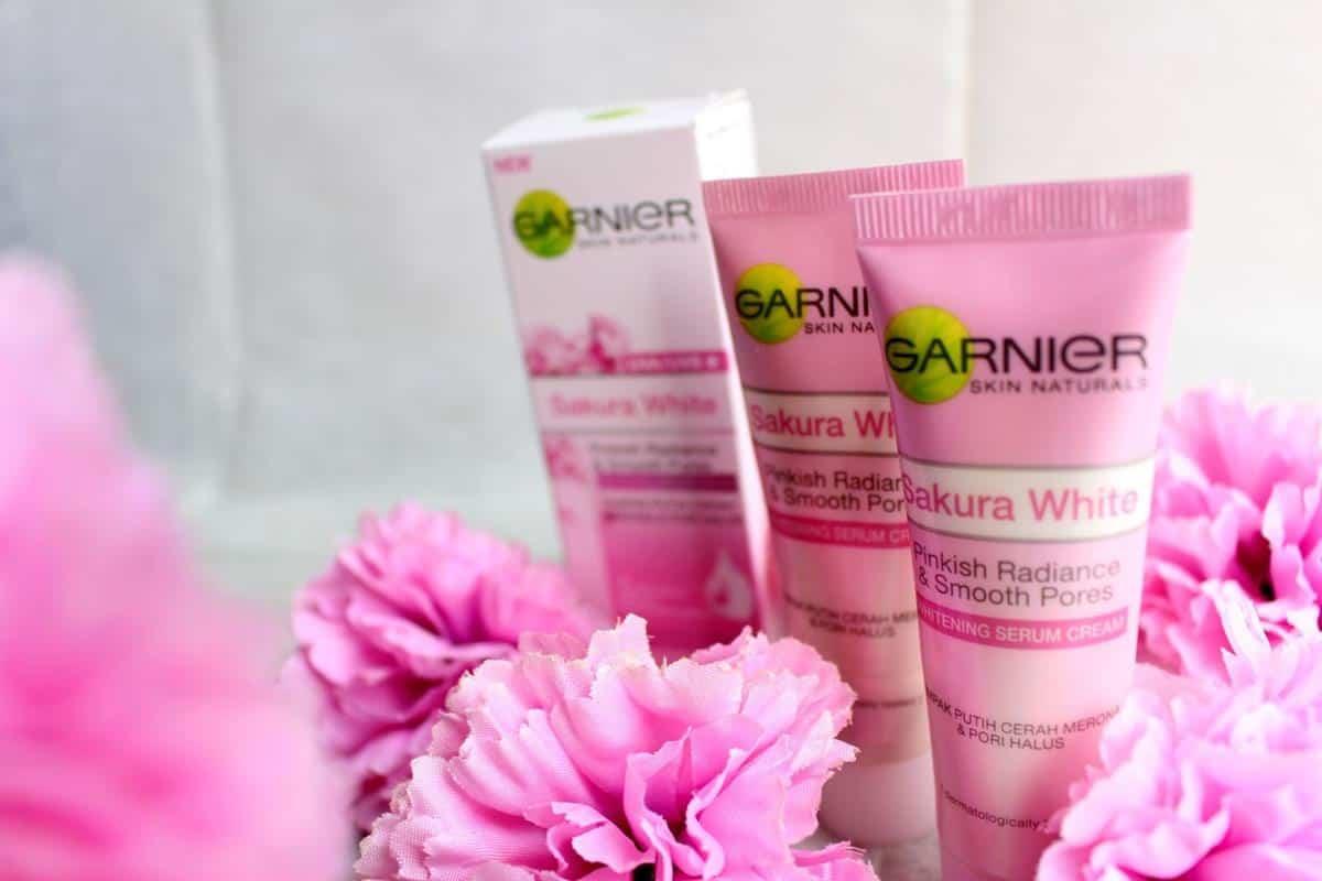 Garnier Sakura White Whitening Serum Cream UVA UVB Filters