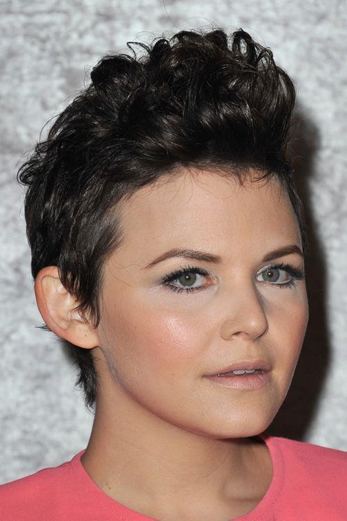 model rambut pendek untuk wajah bulat dan rambut tipis_Faux hawk (Copy)