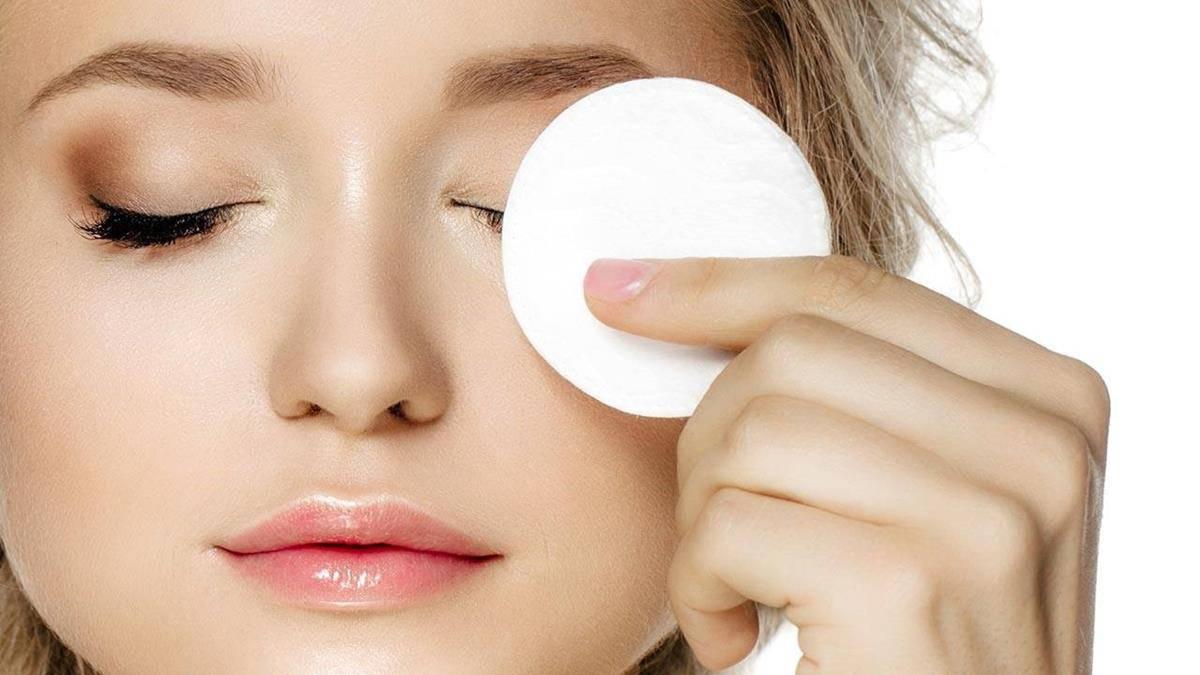 Menjadi Make Up Remover