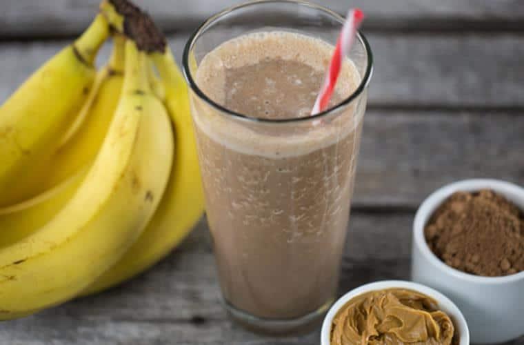 Minuman shake yang lezat dan sehat_Chocolate peanut banana shake (Copy)