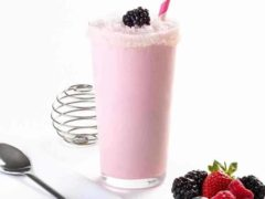 Minuman shake yang lezat dan sehat_Summer berry shake (Copy)