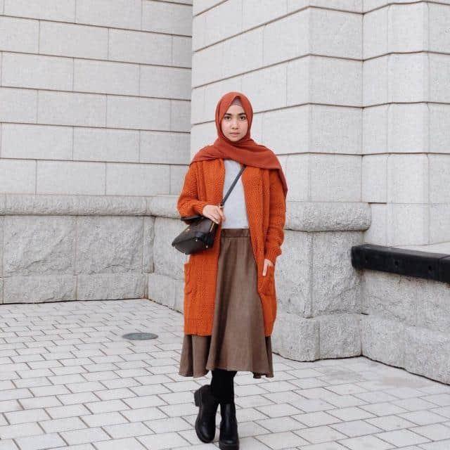 warna hijab untuk baju oranye_senada (Copy)
