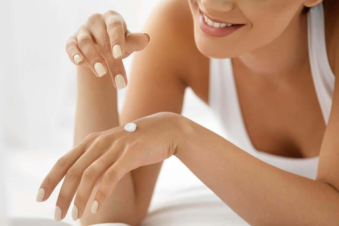 Manfaat Body Cream Oriflame_Melembabkan dengan sangat baik (Copy)