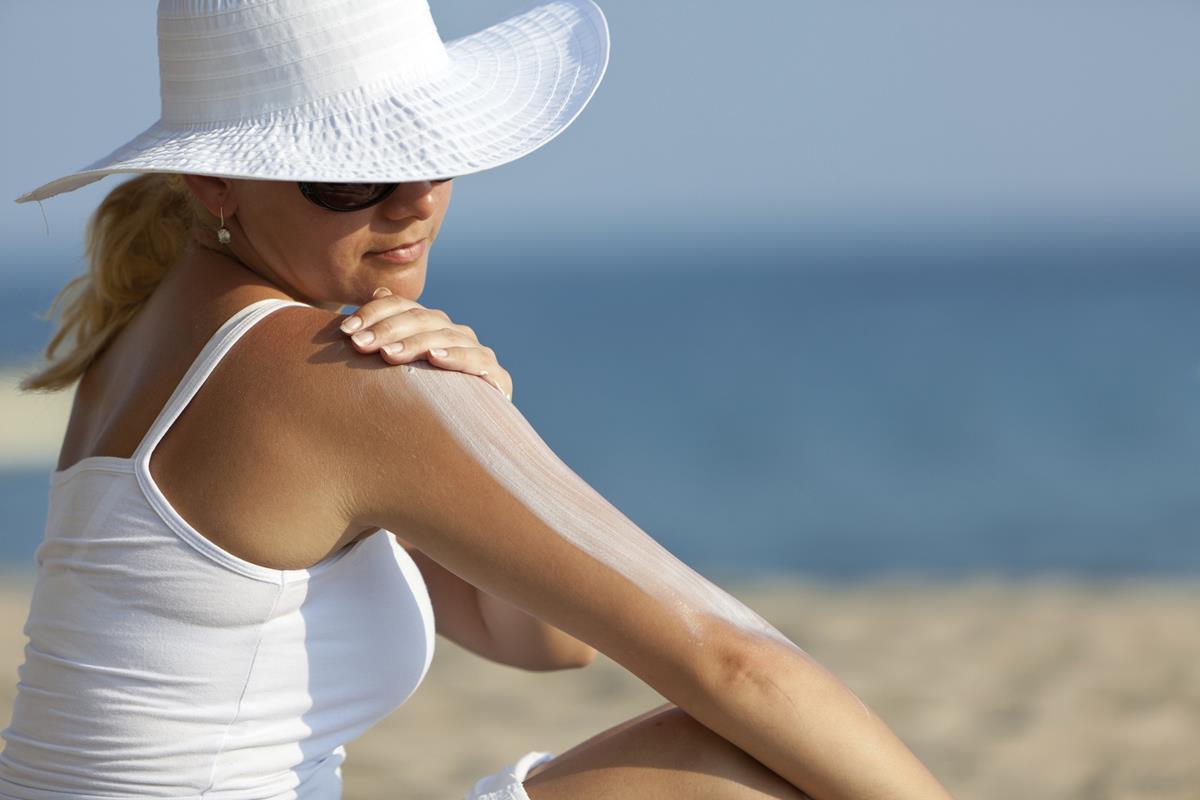Melindungi Kulit Dari Efek Buruk Sinar UV