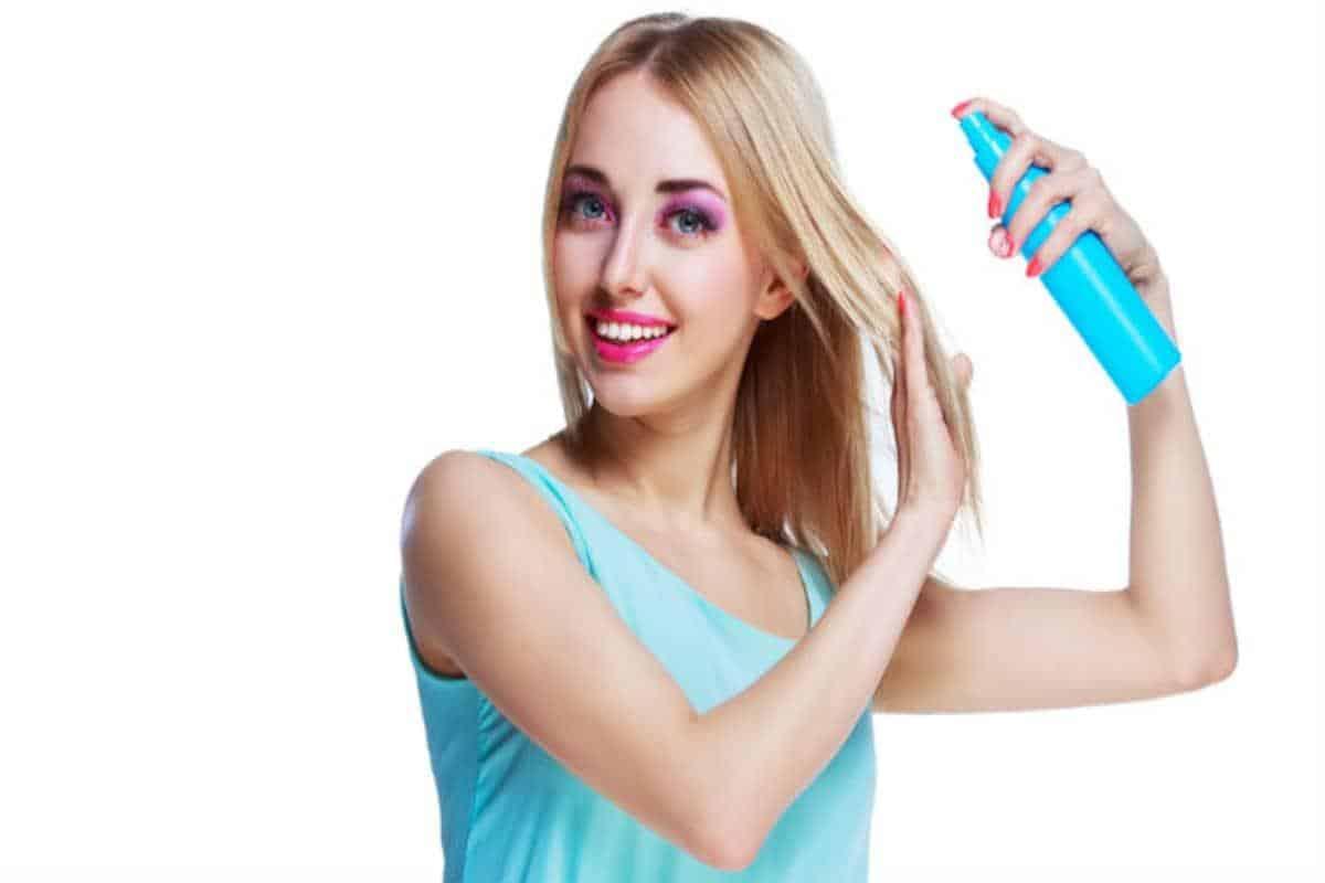 Semprotkan Hairspray Sebelum Mengeritingkan Rambut