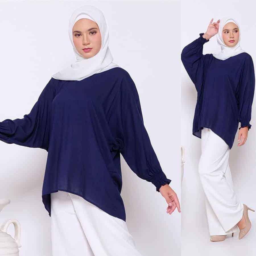 10 Inspirasi Warna Jilbab yang Cocok untuk Baju Warna Biru 15