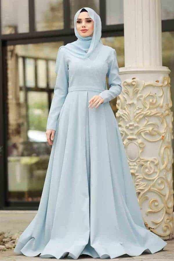 10 Inspirasi Warna Jilbab yang Cocok untuk Baju Warna Biru 17
