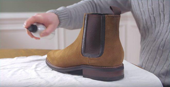 Cara membersihkan sepatu suede_spray (Copy)