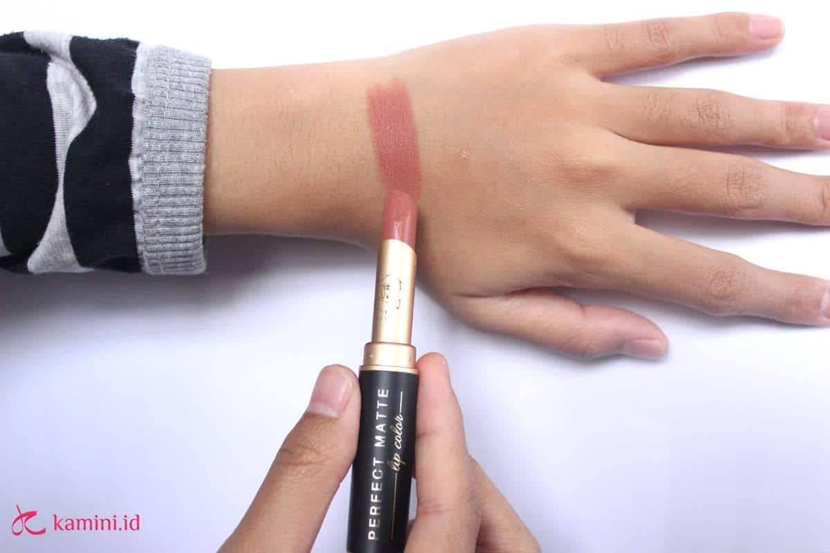 Review Lipstik Matte Viva tekstur