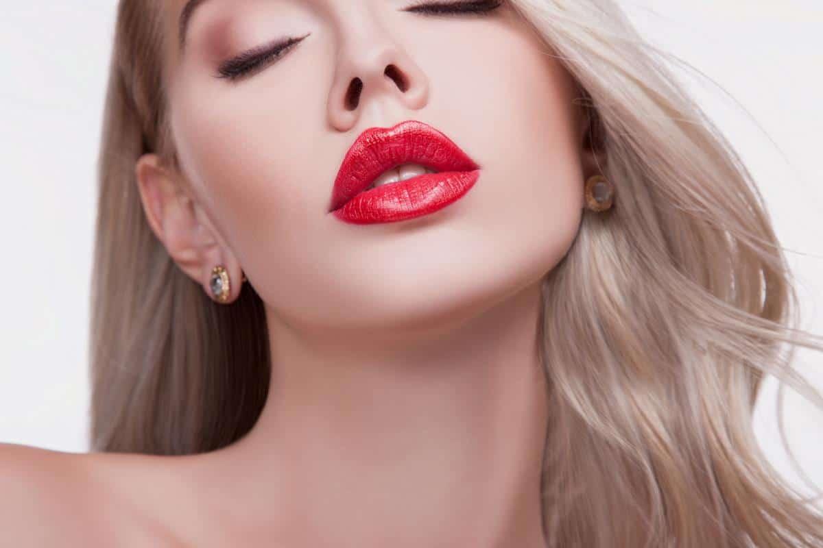 manfaat lip balm oriflame_meningkatkan tampilan lipstick