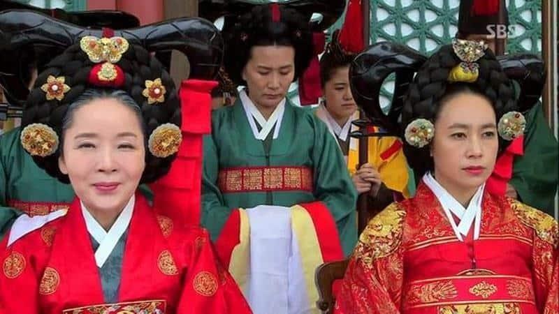 9 Ragam Model Rambut Wanita Era Joseon yang Paling Populer 11