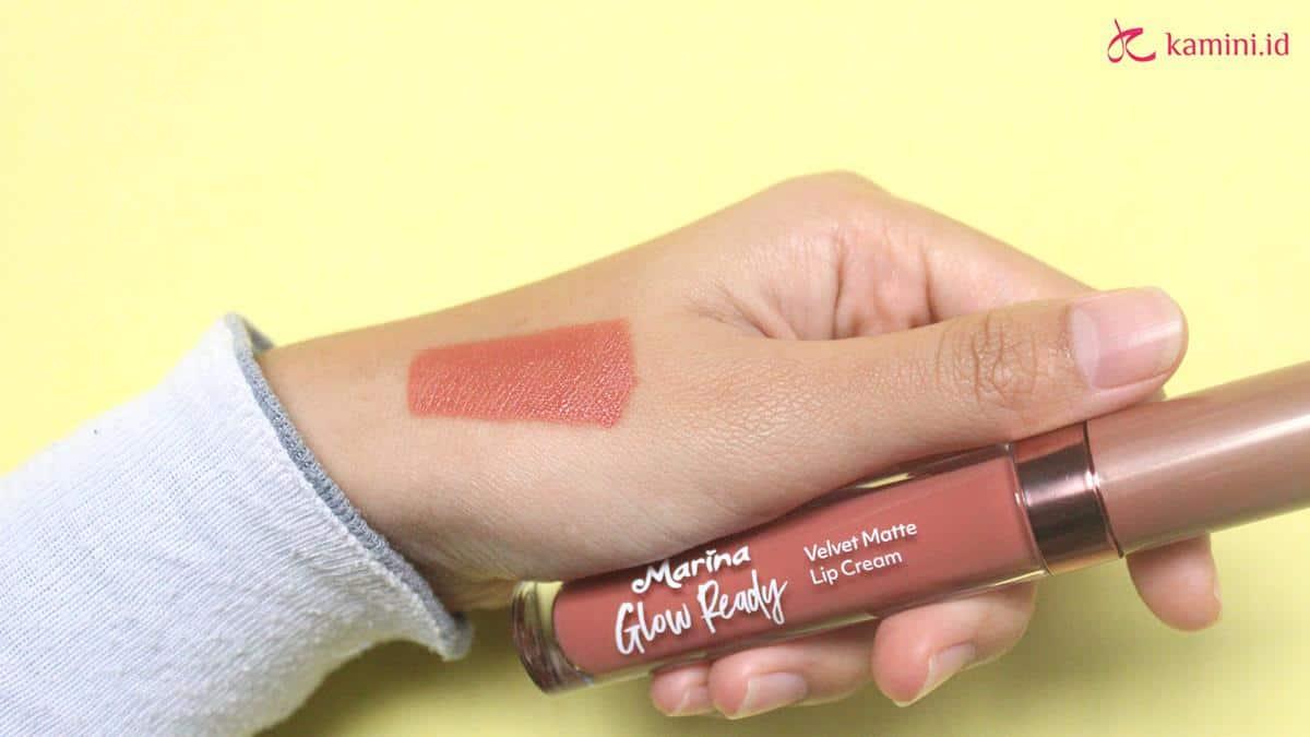 Review Marina Glow Ready Lip Cream tekstur