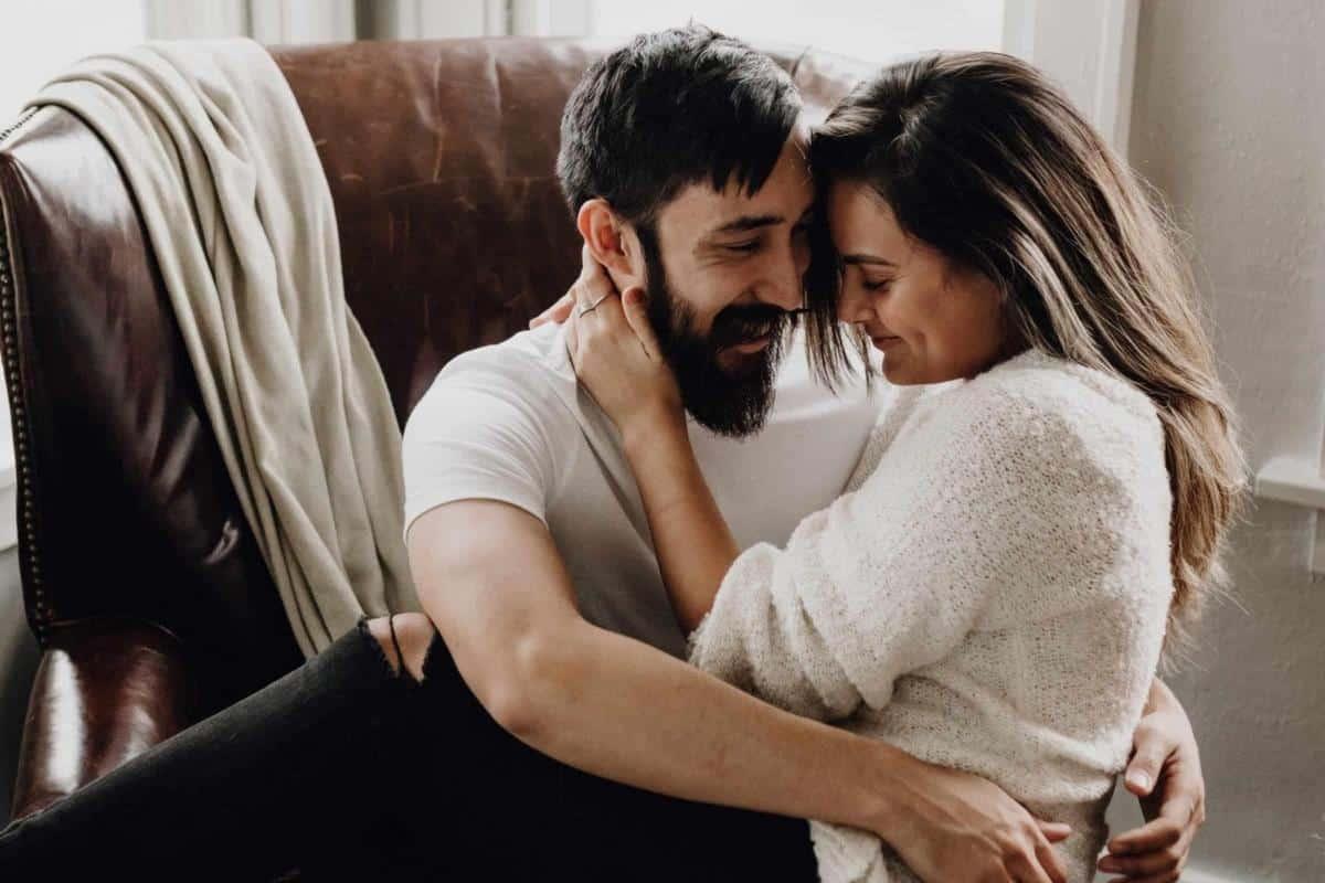 cara membuat suami takut kehilangan istri_Lebih Intim dan Layani Suami dengan Baik