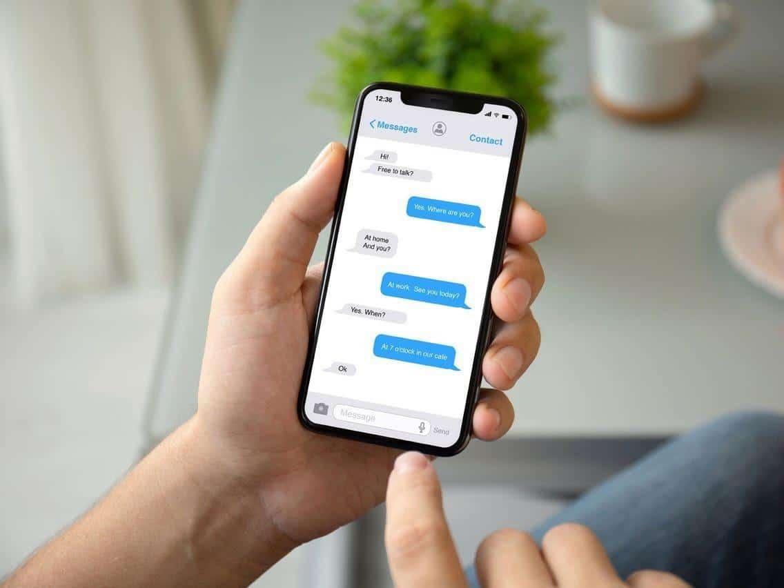 cara menguji kesetiaan pacar lewat chat_Mengirim pesan pada pasangan bersamaan nomor samaran