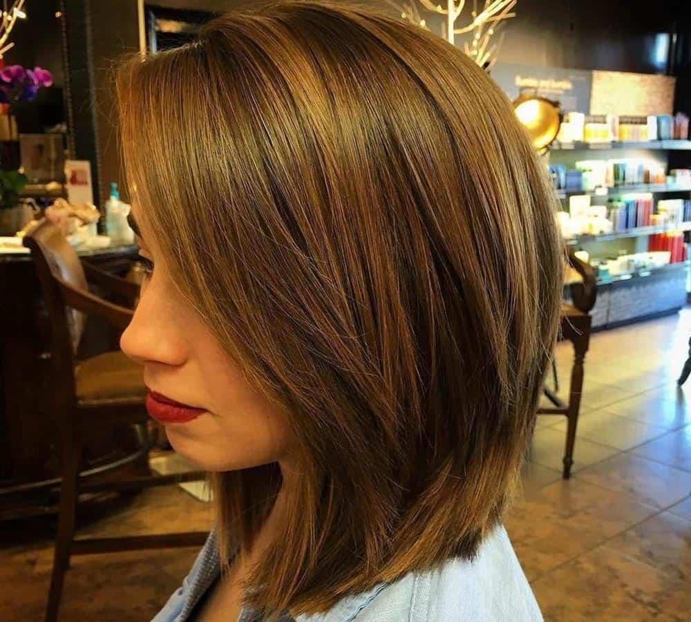 model rambut pendek wanita_ Layered Bob Haircut