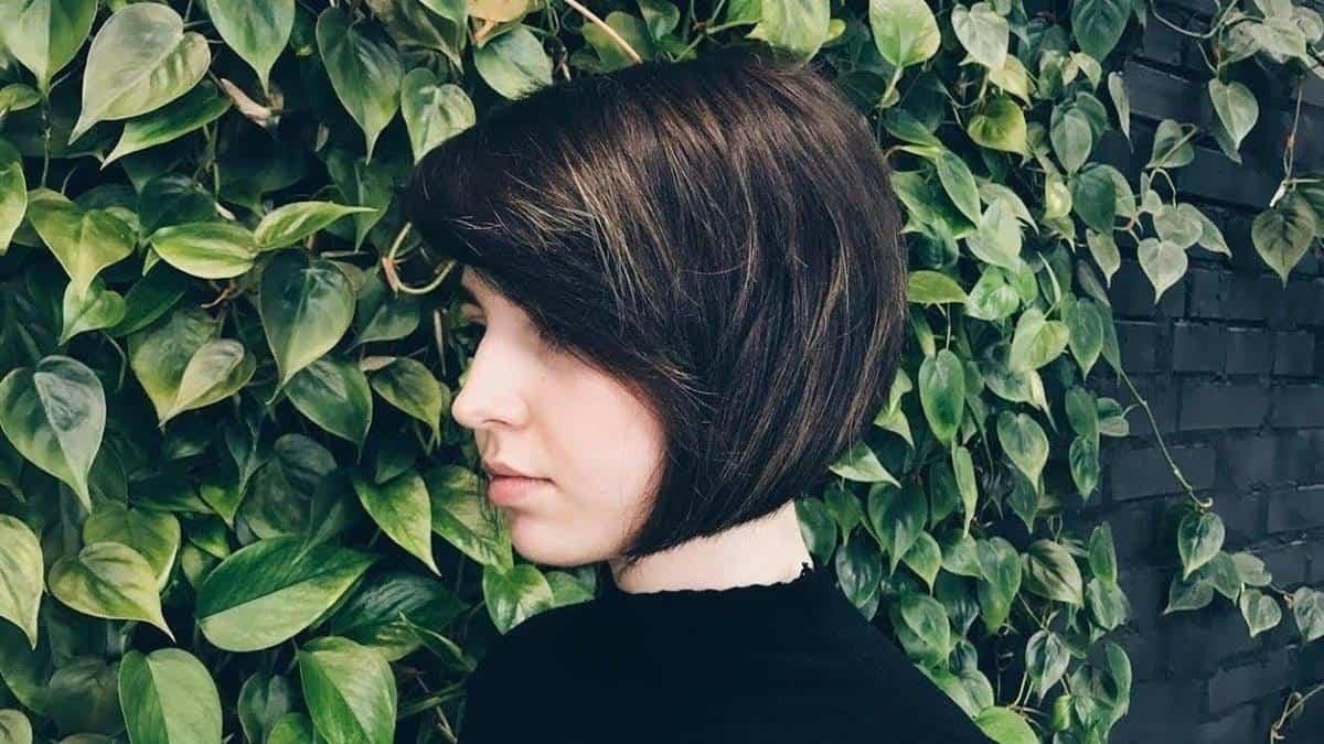 model rambut pendek wanita_Classic A Line Bob