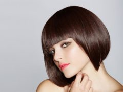 model rambut pendek wanita_Classic Bob with Bangs
