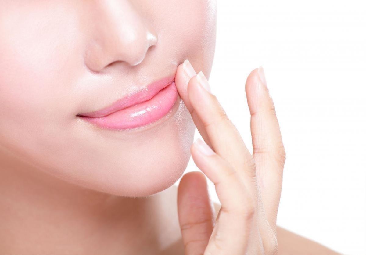 perbedaan lipstik jupon asli dan palsu_Menyehatkan Kulit Bibir
