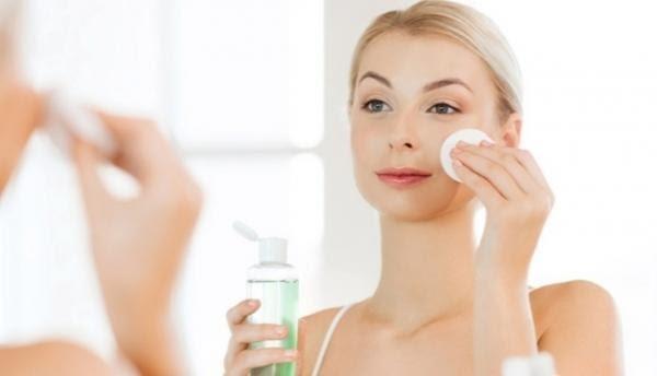 skincare routine untuk kulit berminyak_toning