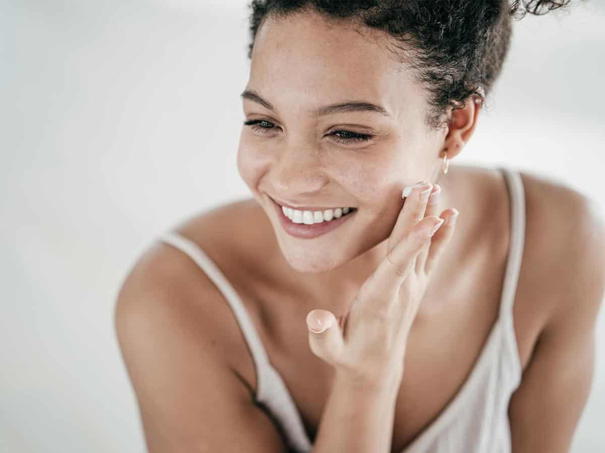 8 Langkah Skincare Malam Agar Kulit Terhidrasi Selama Puasa 13