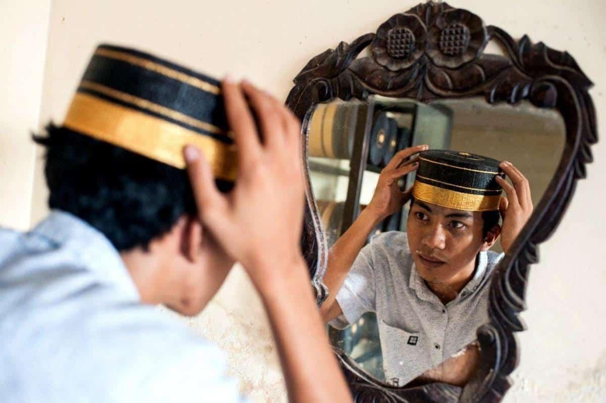 sejarah peci di Indonesia_Berasal dari Kerajaan Bone ke-15