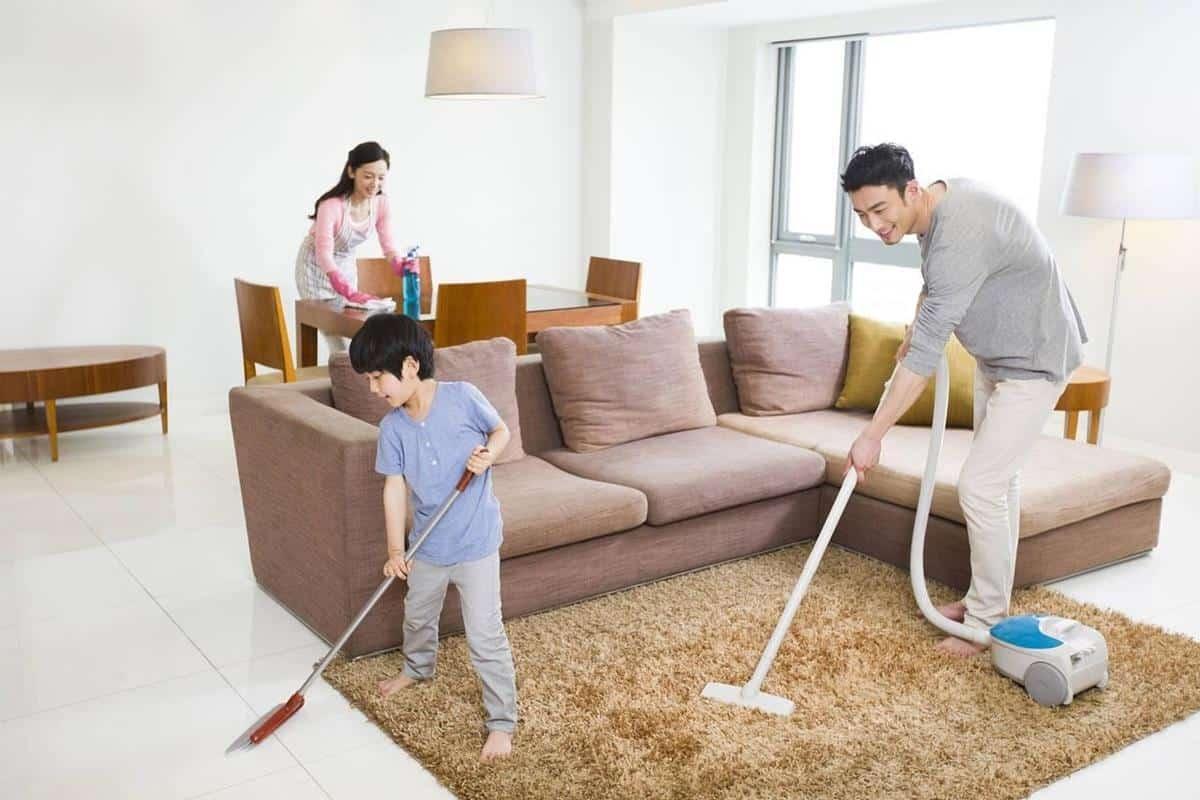 tanda tanda suami sayang istri dan anak_Membantu Pekerjaan Istri atau Anak