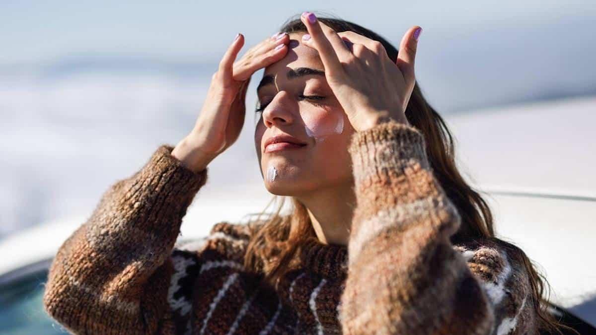 tips agar kulit tidak kusam selama puasa_Pastikan Selalu Memakai Sunscreen